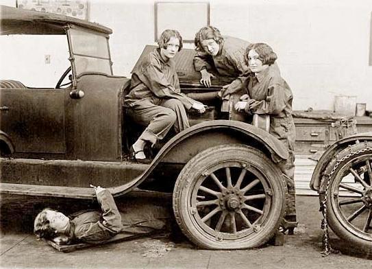 women car mechanics